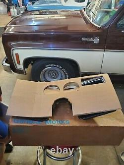NOS GM 1981-83 Chevy GMC suburban blazer jimmy pickup truck dash cluster bezel
