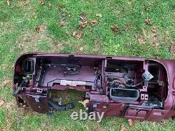 95-99 Chevy Gmc Trucks Tableau De Bord Dash Core Frame Mount Avec 1 Crack Maroon Red